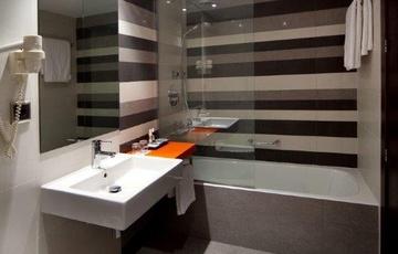 Aseo completo Hotel Nuevo Torreluz