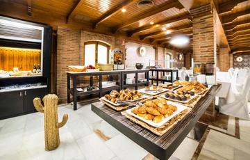 Desayuno Hotel Nuevo Torreluz