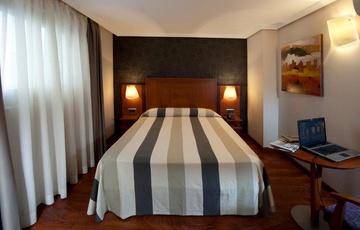 Habitación de matrimonio Hotel Nuevo Torreluz